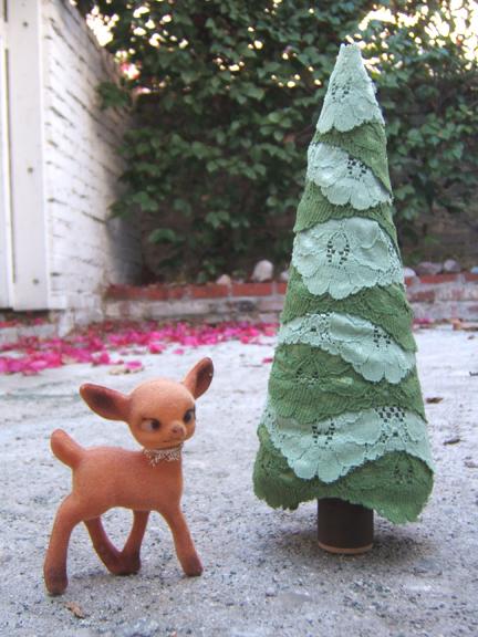 Lace trim christmas tree green