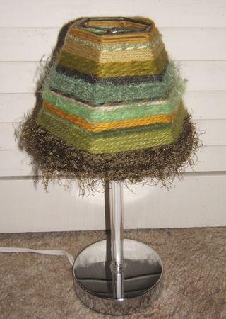 Yarn woven lampshade