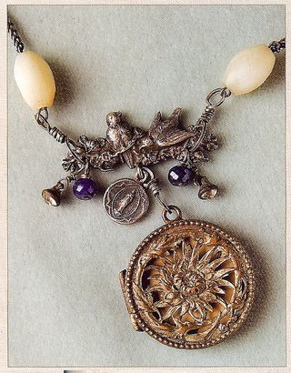 Focal pendant with dangles
