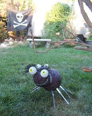 Knife spider ball halloween lawn