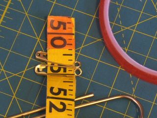 How to measuring tape buckle