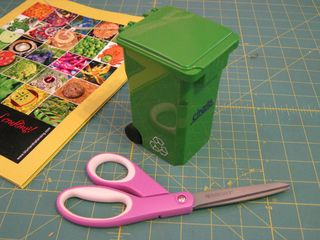 Tiny recycle bin promo item
