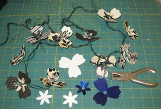 Sizzix paper flower light embellishments