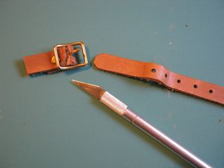 How to make recycled buckle jewelry