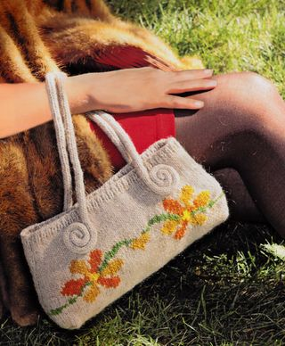 Swirled i-cord knitted purse handle