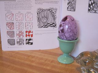 Zentangled Easter egg doodle art how to