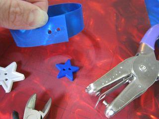 How to make  Rowlux plastic botton star bracelet
