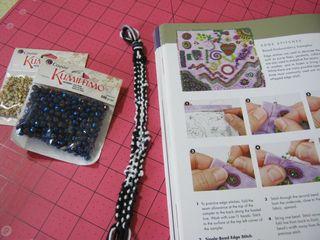 How_to_make_a_kumihimo_bracelet