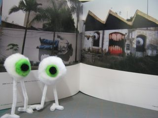 One eye monstor pom pom