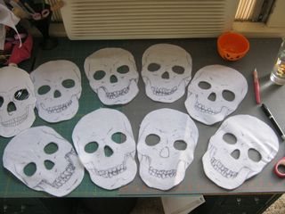 How-to-make-felt-skuls-garland