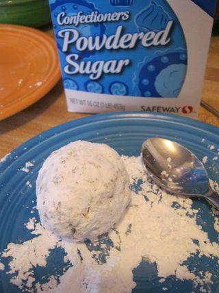 Make-donut-ball-cake