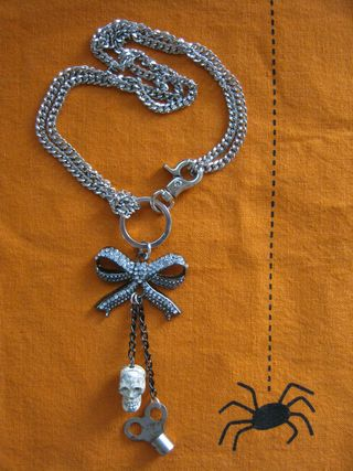 Prima-bead-chain-bow-necklace