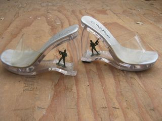 Toy-army-men-shoes
