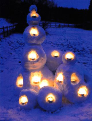 How-to-make-snow-lanterns-glow
