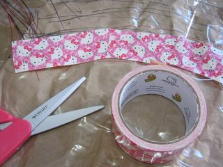 Hello-kitty-duck-tape-craft-valentine