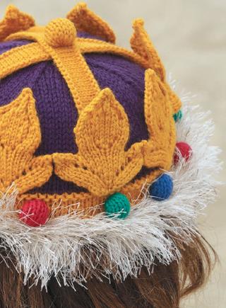 Knit-crown-eyelash-yarn-tip