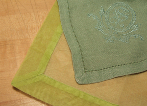 Mitercornergreen_napkins