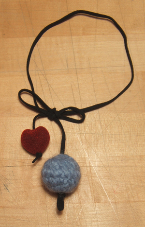 Crochet_bead_necklace_girard_2