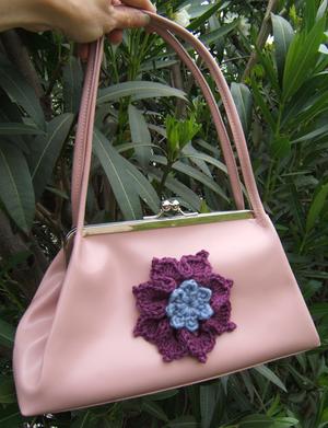 Crochet_flower_sweater_babe_girard