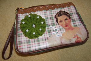 Wreath_bullion_stitch_purse