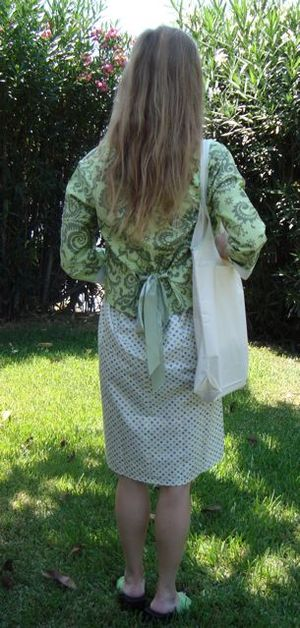 Back_greeen_dress