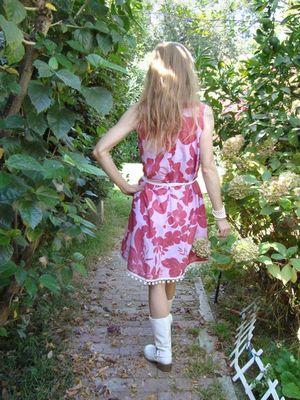 Back_of_red_floral