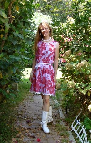 Red_floral_dress