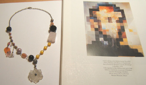 Dali_painting_and_necklace