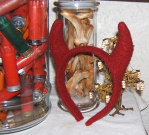 Devil_horn_headband_stefanie_girard