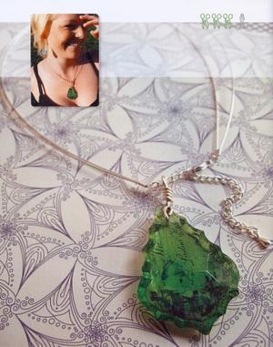 Green_crystal_pendant1