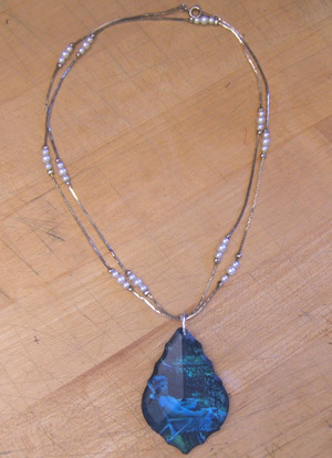 Stefanie_girard_crystal_pendant_2