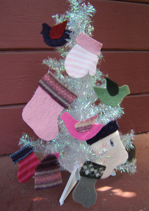 Recycled_sweater_ornaments_2